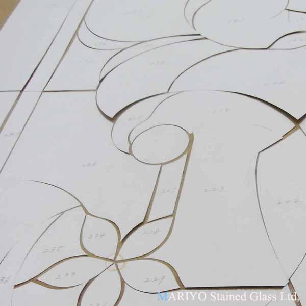 ステンドグラス 作り方 型紙を置く