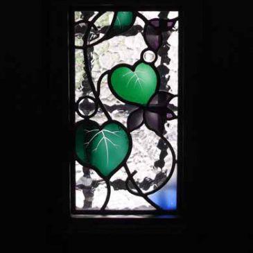 ステンドグラスナンシー派  すみれの花  玄関ドア