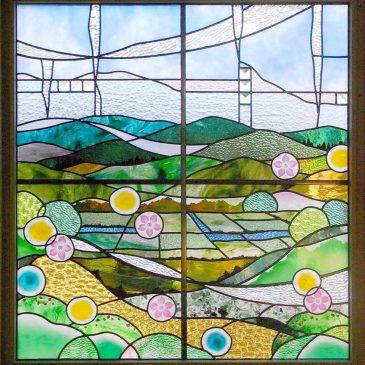 ステンドグラス作家 風景のステンドグラス 取付 春の里山