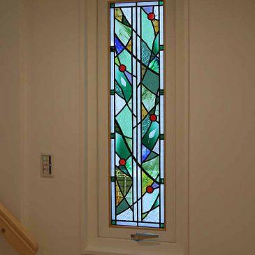ステンドグラス スウェーデンハウスの家「風に踊る木の葉」