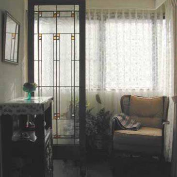 メルヘン邸のステンドグラス 衝立 フランクロイドライト 風