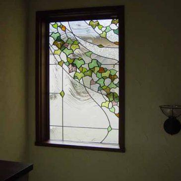 蔦のステンドグラス デザイン