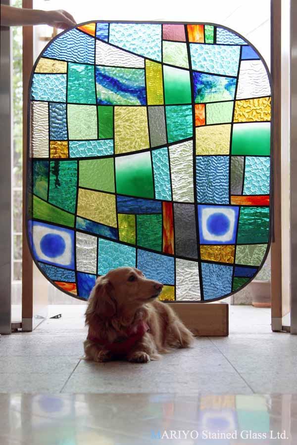 ステンドグラス カラフル 美容室