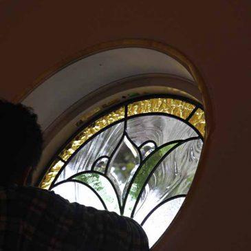ステンドグラス 丸窓 デザイン