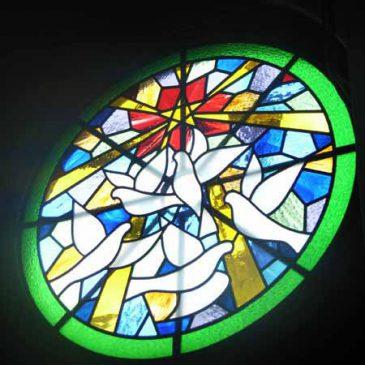 教会のステンドグラスデザイン 練馬神の教会  最後の一枚