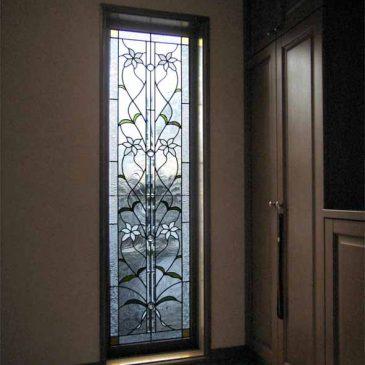 ステンドグラス施工例  白百合の花 百合は白が一番綺麗