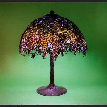 ステンドグラス ランプ ティファニー 綺麗なランプ 藤の花