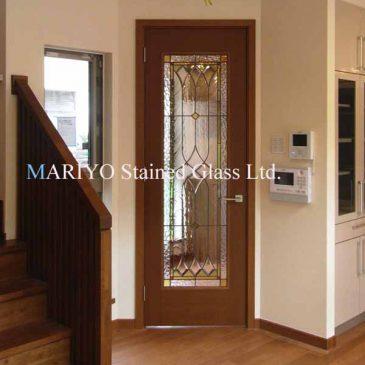 ステンドグラスドア 室内ドアのガラスをステンドグラスに変える