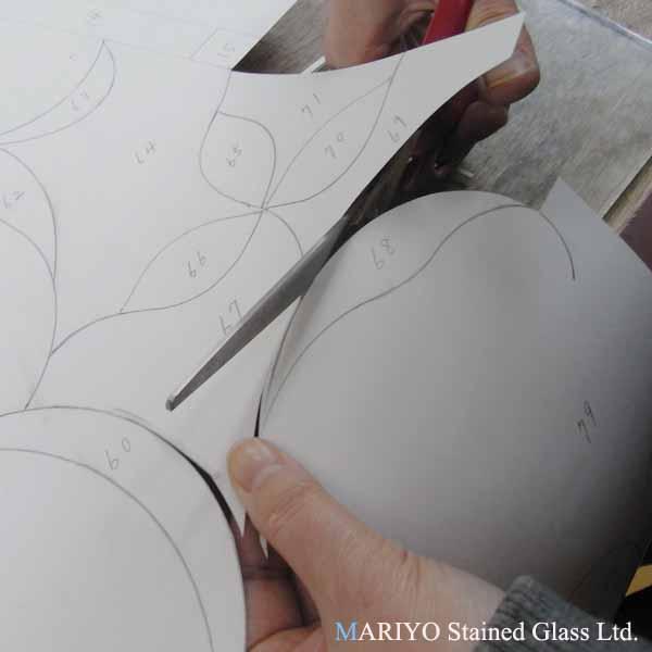 ステンドグラス 作り方 型紙切り1