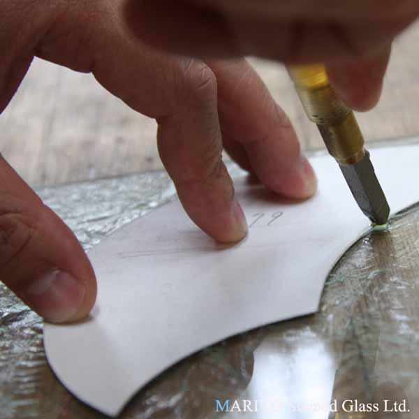 ステンドグラス 作り方 硝子カット