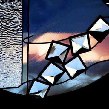 森のステンドグラス物語 第二十五話   灯りに導かれて