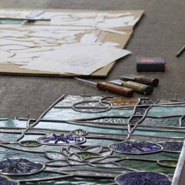 睡蓮 ステンドグラス 鉛線組 ステンドグラス工房の作業台 平城遷都祭
