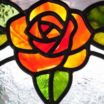 薔薇のステンドグラス 石神井の家 施工風景 アーチ型