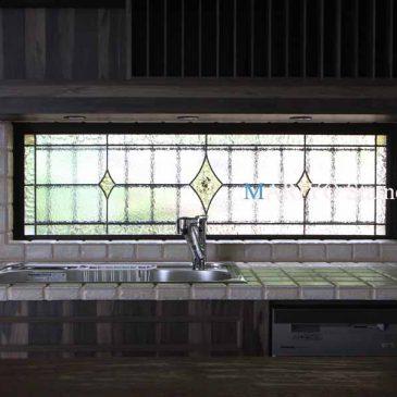 ステンドグラス装飾窓 湖畔の家