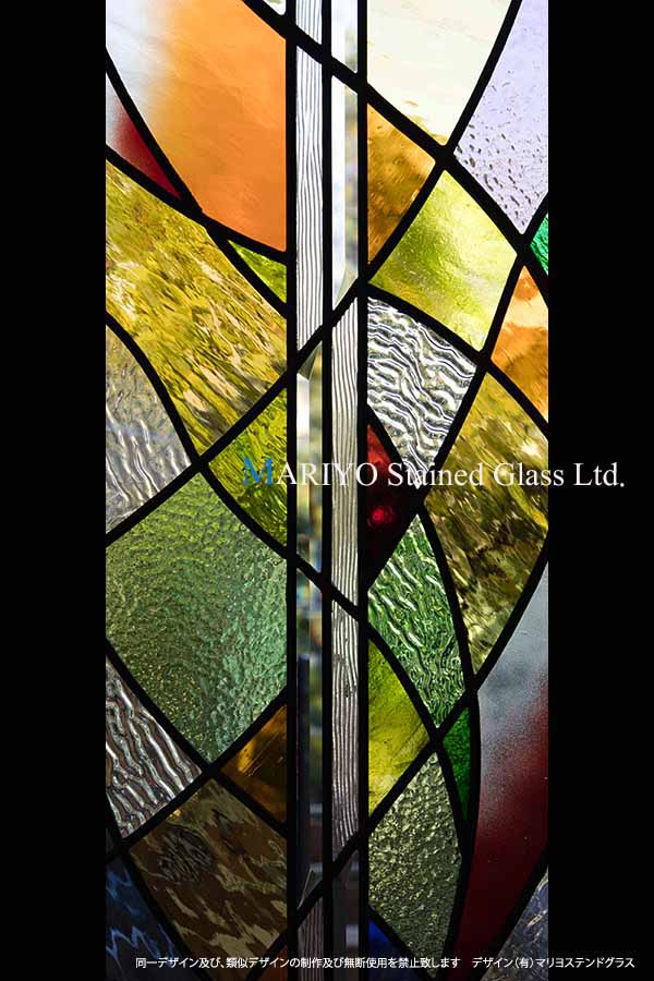 色彩の美しいステンドグラス CW58-5LP2E-UP