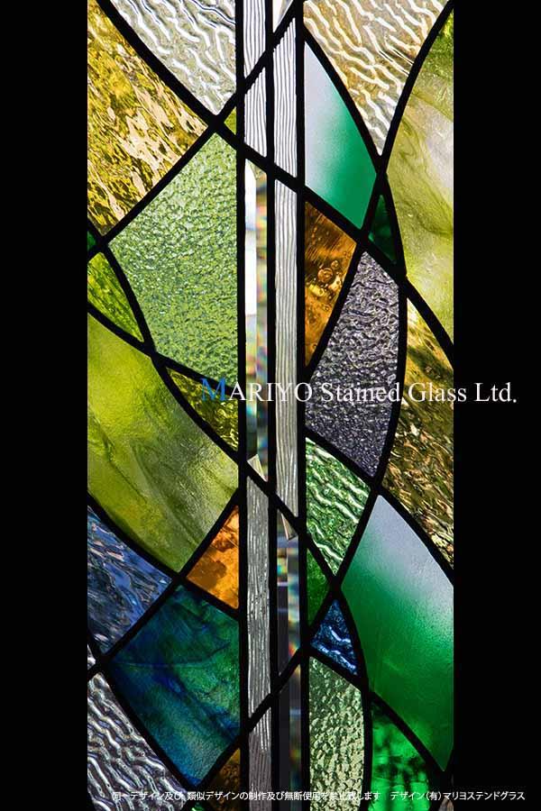 色彩の美しいステンドグラス  CW60-4LP2E-UP