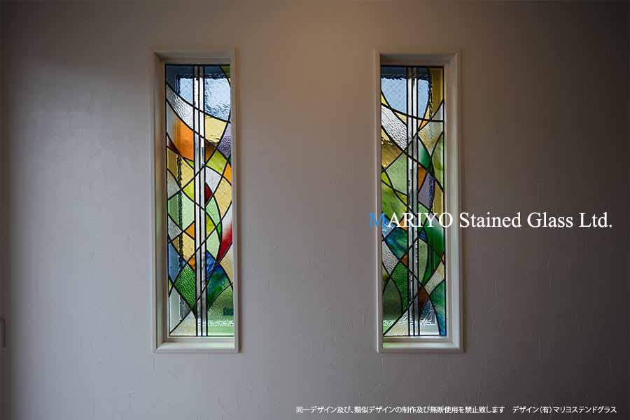 色彩の美しいステンドグラス 細田工務店1
