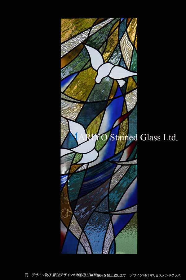 鳩のステンドグラス