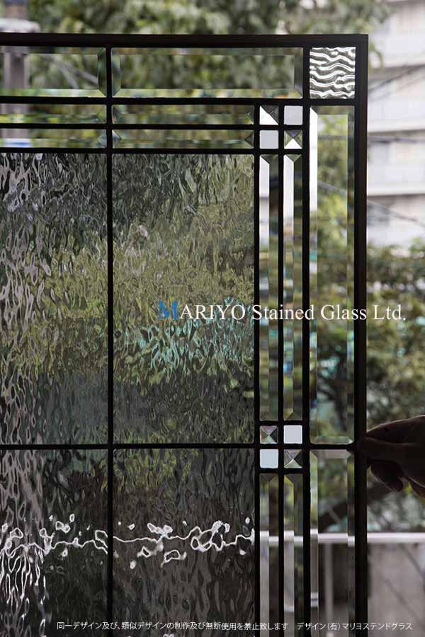 シンプルなステンドグラス画像