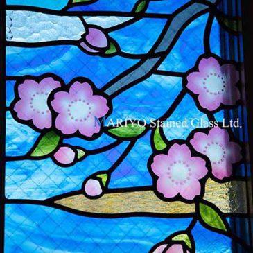桜とフクロウのステンドグラス窓|三井ホーム