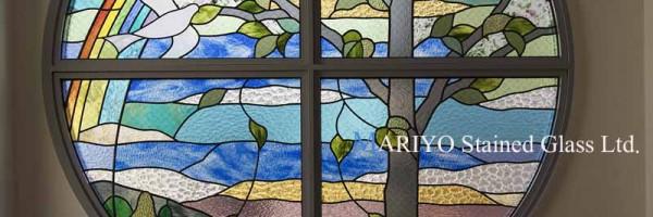 白鳩幼稚園|鳩のステンドグラス