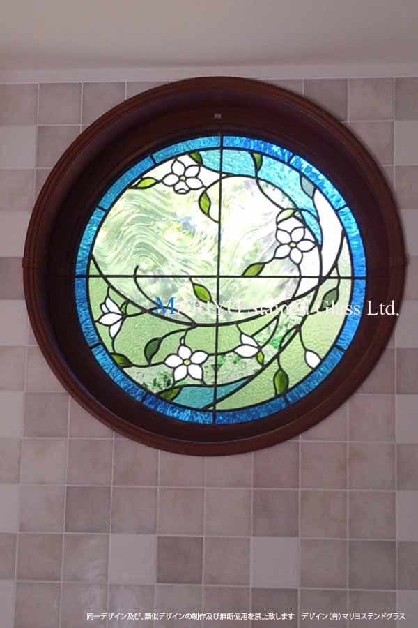 大泉 居久根の蔵丸窓