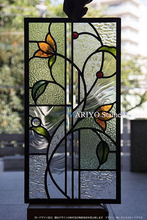 オレンジの花のステンドグラス C52-5LP1J4E 工房画像 札幌市