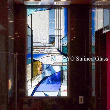 青いステンドグラス
