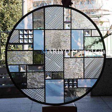 沖縄 ステンドグラス 丸窓