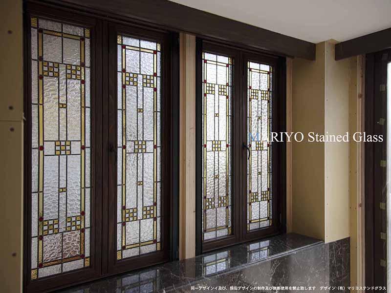 開閉式窓のステンドグラス施工例2