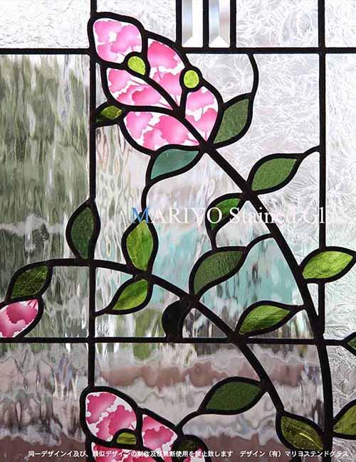サルスベリの花のステンドグラス納骨堂 部分