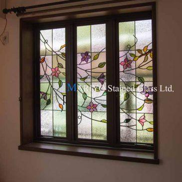 クレマチスのステンドグラス 3連窓