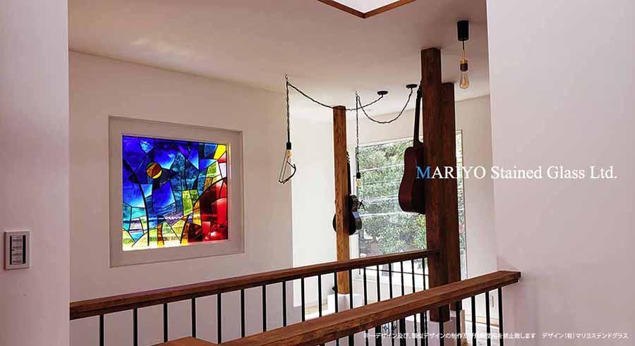 サグラダファミリア調のステンドグラス画像