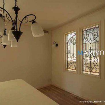 白い花のステンドグラス 3連窓 三井ホーム