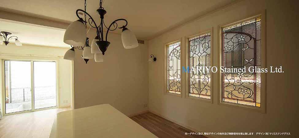 白い花のステンドグラス 3連窓 三井ホーム1
