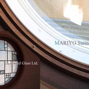 円形ステンドグラス 丸窓サッシ窓取付方法