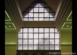 建築用のステンドグラス